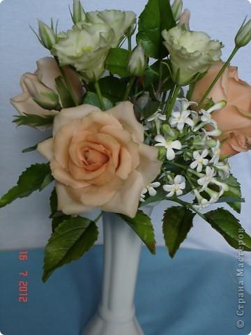 Сегодня закончила еще один букетик - на этот раз розы и эустомы. фото 2
