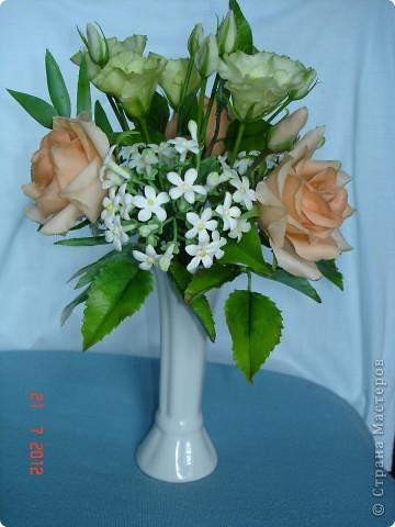 Сегодня закончила еще один букетик - на этот раз розы и эустомы. фото 1
