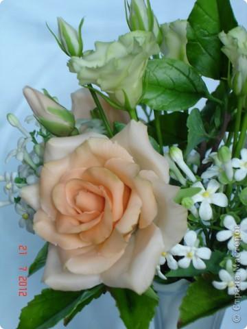 Сегодня закончила еще один букетик - на этот раз розы и эустомы. фото 3