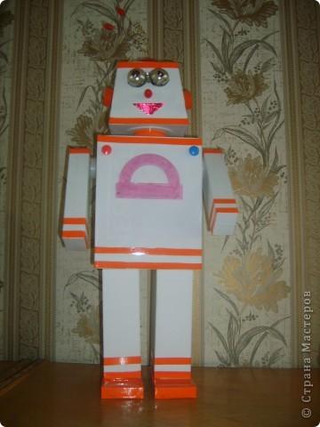 Робот своими руками из коробки