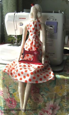 Здравствуйте, дорогие мастерицы! Сегодня я покажу мою вдохновительницу))) швейного ангела. Из всех тильд, мне понравилась больше всего она. фото 2