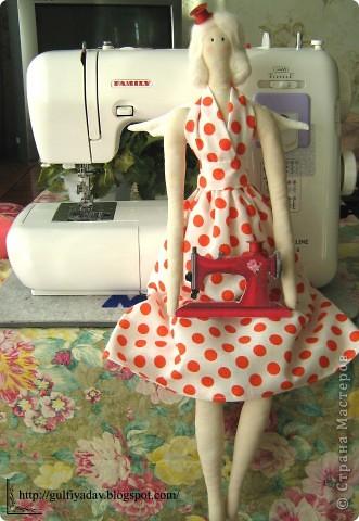 Здравствуйте, дорогие мастерицы! Сегодня я покажу мою вдохновительницу))) швейного ангела. Из всех тильд, мне понравилась больше всего она. фото 1