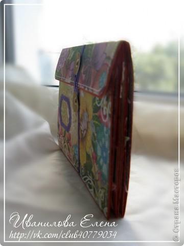 """Здравствуйте,дорогие мастерицы!Спешу показать Вам мою очередную работу - мини-альбомчик """"Краски лета""""!Сделан он по мк от Дмитрия Семенова http://jkdesignstudio.blogspot.com/2012/07/blog-post_17.html .Спасибо автору за мк!Размер миника  13*18см,вмещает 10 фото 10*15см.Для его создания использовала скрап-бумагу,бумагу для пастели (основа альбома),покупные цветочки,бусинки,брадсы и самое главное марки времен СССР! фото 10"""