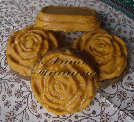 Моя первая проба в мыловарении. Рецепт мыла брала вот сдесь http://handmades.com.ua/master-klass-anticellyulitnoe-mylo-s-kofe-i-medom фото 3
