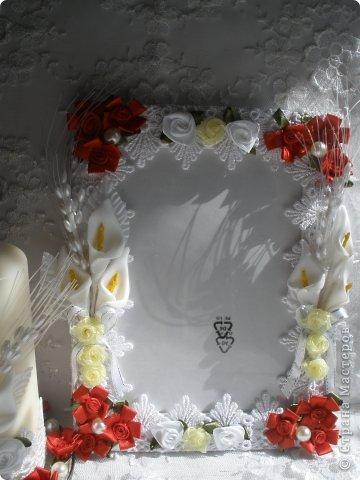 Фоторамка Фиолет №2.(Фото 050) обтянута тканью,украшена цветами из ракушки,радужным бисером,сваровски,для фото 10х15 см. фото 23