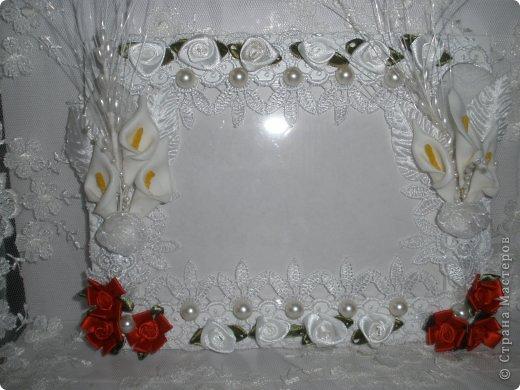 Фоторамка Фиолет №2.(Фото 050) обтянута тканью,украшена цветами из ракушки,радужным бисером,сваровски,для фото 10х15 см. фото 22