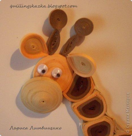 Всем доброго дня!!!! Продолжаю серию детских магнитов с животными. Сегодня я к вам с жирафом , которого сделала для нового общего задания в блоге Хомячка -   Звериные ПЯТНАшки !!!                                     Этот стих от нашего дизайнера Алёны (WhiteRacoon) В этом сезоне в моде расцветка - Нет, не горошек и даже не клетка! - В моде расцветка разных зверей, Ну-ка, узор выбирай поскорей! Звериный узор! Чтобы было понятно: Мы ждем в работах полоски и пятна. Вот вдохновителей наших парад: Тигр и зебра, и леопард, Пес-далматинец, жираф и корова - Все свои пятна отдать Вам готовы. Чей-то другой Вам по нраву окрас?..  Шкурка вся в пятнах? - Ждем шедевр от Вас!  фото 3