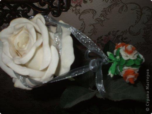 Очень хотелось сделать что-то приятно для одного очень очень хорошего человека.....надеюсь понравиться=) Это кулончик в виде букетика роз и башмачок-подставка (уж очень мне понравились эти башмачки на просторах Страны) фото 14