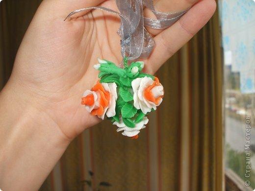 Очень хотелось сделать что-то приятно для одного очень очень хорошего человека.....надеюсь понравиться=) Это кулончик в виде букетика роз и башмачок-подставка (уж очень мне понравились эти башмачки на просторах Страны) фото 8
