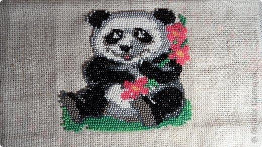 Поделка изделие Бисероплетение Вышитая панда Бисер фото 1.