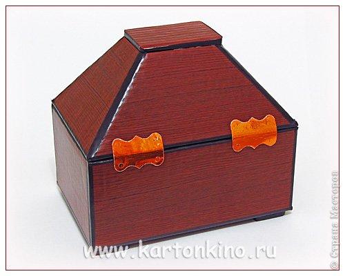 """Здравствуйте, дорогие жители Страны Мастеров!)  Этот ларец с """"самоцветами"""" я сделала своему сыну в качестве адвент-календаря. Каждый """"камешек"""" - это коробочка из картона, в которую удобно прятать маленькие подарочки или записки.  Сам ларец сделан из обычного гофрокартона, в который упаковывается мебель. Такой ларец можно использовать как оригинальный реквизит для проведения, например, новогодней лотереи. А можно прикрепить к """"самоцветам"""" петельки, и получатся замечательные елочные украшения.  Сделать и ларец и коробочки-самоцветы своими руками совсем не сложно. И я сейчас покажу, как. Понадобятся:  канцелярский нож, ножницы, линейка, инструмент для биговки, двусторонний скотч (для коробочек) и клей """"Момент"""" (для ларца). А также гофрокартон - для ларца, фольгированный картон (или плотная цветная бумага) - для """"самоцветов"""". фото 16"""