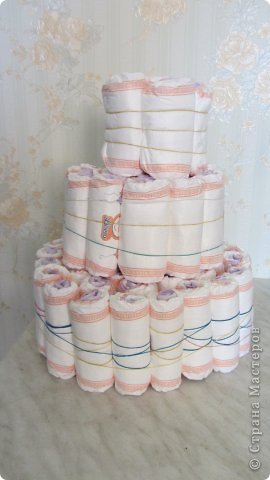 Торт из памперсов - подарок будущей крестнице на рождение фото 2