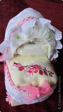 Торт из памперсов - подарок будущей крестнице на рождение фото 4