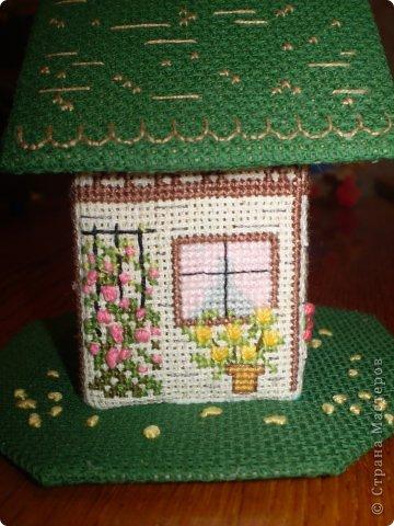 Здравствуйте! Покажу вам два домика, сделанных в подарок хорошим людям. Домик №1 - Для подруги с пожеланиями приобрести квартиру (кстати, на момент, когда я делаю эту запись, подруга квартиру уже имеет) фото 3