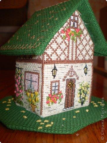 Здравствуйте! Покажу вам два домика, сделанных в подарок хорошим людям. Домик №1 - Для подруги с пожеланиями приобрести квартиру (кстати, на момент, когда я делаю эту запись, подруга квартиру уже имеет) фото 1