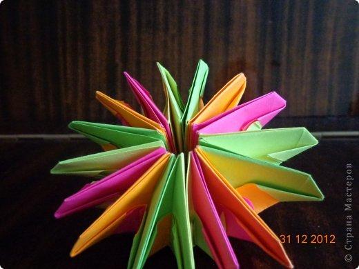 Хочу представить вам на суд свои несколько работ в технике модульного оригами фото 14