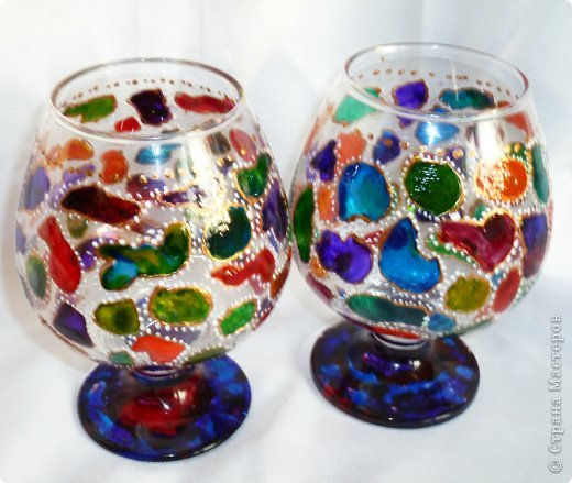 Набор для коньяка вот эти бокалы-нарисовала цветочки на другом-кисть винограда,но это не окончательный вариант,бутвлочка пока под ? фото 2