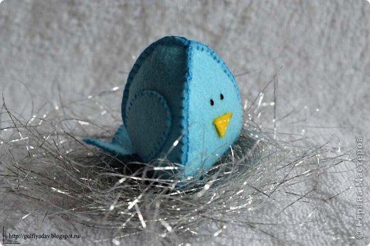 Здравствуйте, дорогие мастерицы! В начале весны во мне проснулась любовь к птицам в виде игрушки. Сегодня покажу то, что нашила в марте. Птички из ткани http://gulfiyadav.blogspot.ru/2013/03/blog-post.html  фото 3