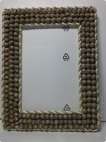 Фоторамка Фиолет №2.(Фото 050) обтянута тканью,украшена цветами из ракушки,радужным бисером,сваровски,для фото 10х15 см. фото 26