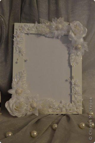 Фоторамка Фиолет №2.(Фото 050) обтянута тканью,украшена цветами из ракушки,радужным бисером,сваровски,для фото 10х15 см.  фото 39