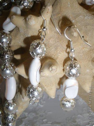 Комплект Бирюзовая сказка. выполнен из полимерной глины, сваровски, бирюзы, ажурных бусин и чашечек.   фото 40