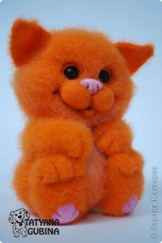 Пушистый, пухленький, рыженький котёнок Клёпочка! Игривый,добрый и ласковый! Высота 19 см. Полностью свалян из 100 % шерсти. Глазки- пластика. фото 2