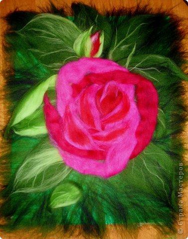 По вашим просьбам подготовила МК на тему: как выложить розу из шерсти просто и быстро (как мне кажется :))  Решила все показать на примере конкретной картины. Это уже итог. А ниже будут поэтапные фото и пояснения.  фото 22