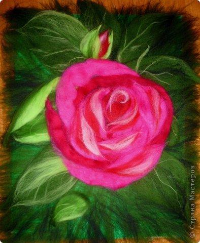 По вашим просьбам подготовила МК на тему: как выложить розу из шерсти просто и быстро (как мне кажется :))  Решила все показать на примере конкретной картины. Это уже итог. А ниже будут поэтапные фото и пояснения.  фото 24