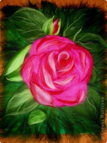 По вашим просьбам подготовила МК на тему: как выложить розу из шерсти просто и быстро (как мне кажется :))  Решила все показать на примере конкретной картины. Это уже итог. А ниже будут поэтапные фото и пояснения.  фото 25