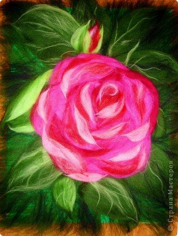 По вашим просьбам подготовила МК на тему: как выложить розу из шерсти просто и быстро (как мне кажется :))  Решила все показать на примере конкретной картины. Это уже итог. А ниже будут поэтапные фото и пояснения.  фото 27