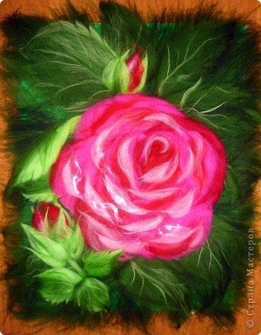 По вашим просьбам подготовила МК на тему: как выложить розу из шерсти просто и быстро (как мне кажется :))  Решила все показать на примере конкретной картины. Это уже итог. А ниже будут поэтапные фото и пояснения.  фото 31