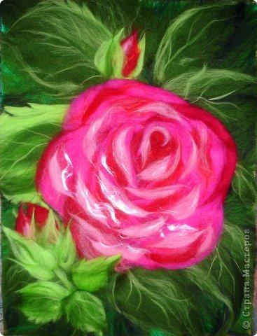 По вашим просьбам подготовила МК на тему: как выложить розу из шерсти просто и быстро (как мне кажется :))  Решила все показать на примере конкретной картины. Это уже итог. А ниже будут поэтапные фото и пояснения.  фото 1