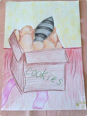 Здравствуйте, друзья!!! Меня зовут Полина, на данный момент мне 13 лет. Я очень давно не выкладывала свои работы(с 2011 года), но регулярно посещаю этот сайт. В этой записи я  покажу несколько своих работ, сделанных в 2013 году. Приятного просмотра! Итак, начнем! Этот рисунок я нарисовала у мамы на работе цветными карандашами. фото 13