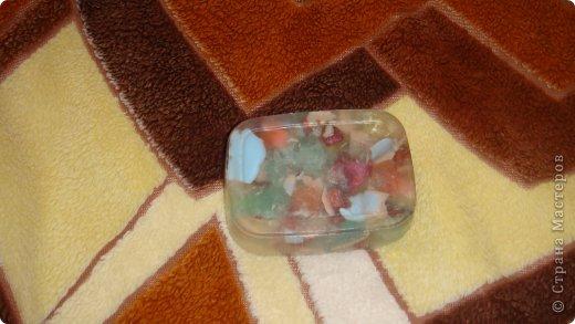 """1 мыло из остатков разных мыл: Мыльная прозрачная основа производство Англии, Базовое масло Абрикоса, Краситель ___ Отдушка """"Озон"""",Остатки мыл. фото 1"""
