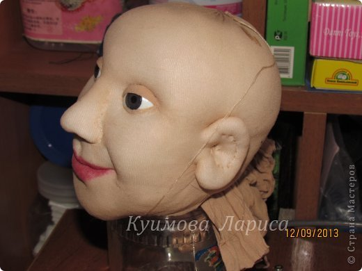 Здравствуйте! Хочу предложить небольшой МК по изготовлению куклы в чулочно-скульптурной технике. Думаю этот Мк будет интересен как начинающим, так и уже шьющим таких кукол. Итак , процесс. Запасаемся необходимыми материалами и конечно же ТЕРПЕНИЕМ. Для начала нам понадобится синтепон и игла для валяния(фелтинга) грубая. фото 5