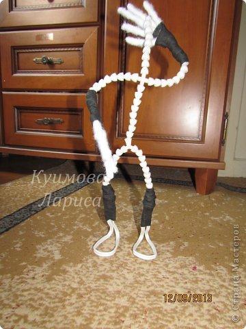 Здравствуйте! Хочу предложить небольшой МК по изготовлению куклы в чулочно-скульптурной технике. Думаю этот Мк будет интересен как начинающим, так и уже шьющим таких кукол. Итак , процесс. Запасаемся необходимыми материалами и конечно же ТЕРПЕНИЕМ. Для начала нам понадобится синтепон и игла для валяния(фелтинга) грубая. фото 23