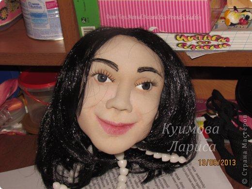 Здравствуйте! Хочу предложить небольшой МК по изготовлению куклы в чулочно-скульптурной технике. Думаю этот Мк будет интересен как начинающим, так и уже шьющим таких кукол. Итак , процесс. Запасаемся необходимыми материалами и конечно же ТЕРПЕНИЕМ. Для начала нам понадобится синтепон и игла для валяния(фелтинга) грубая. фото 28