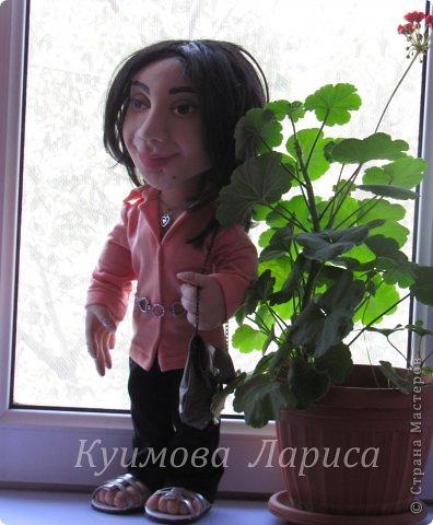 Здравствуйте! Хочу предложить небольшой МК по изготовлению куклы в чулочно-скульптурной технике. Думаю этот Мк будет интересен как начинающим, так и уже шьющим таких кукол. Итак , процесс. Запасаемся необходимыми материалами и конечно же ТЕРПЕНИЕМ. Для начала нам понадобится синтепон и игла для валяния(фелтинга) грубая. фото 36