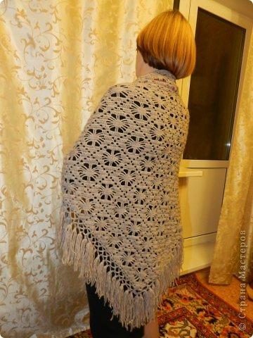 """Шаль """"Жуки"""" вязала в подарок маме. Схему брала с этого сайта http://www.liveinternet.ru/users/tatiana59/rubric/2093193/page3.html Очень простой рисунок. легко запоминается и быстро вяжется. Подарок очень понравился!!! фото 2"""