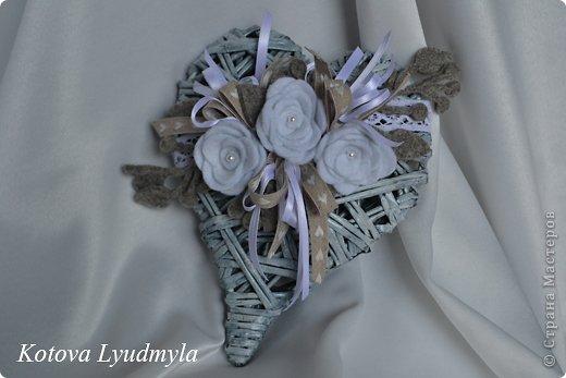Поделка изделие Новый год Аппликация Плетение Плетенные сердечки к Новому году Бумага газетная Клей Краска Ленты Фетр фото 1
