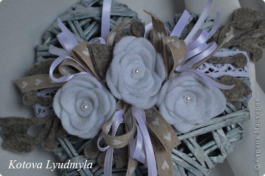 Поделка изделие Новый год Аппликация Плетение Плетенные сердечки к Новому году Бумага газетная Клей Краска Ленты Фетр фото 2