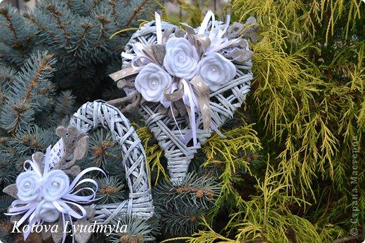 Поделка изделие Новый год Аппликация Плетение Плетенные сердечки к Новому году Бумага газетная Клей Краска Ленты Фетр фото 7