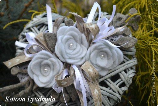 Поделка изделие Новый год Аппликация Плетение Плетенные сердечки к Новому году Бумага газетная Клей Краска Ленты Фетр фото 8