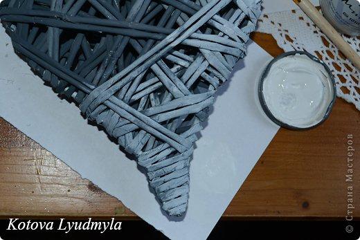 Мастер-класс Поделка изделие Новый год Аппликация Плетение Плетенные сердечки из бумажных трубочек Бумага Клей Краска Ленты Фетр фото 47