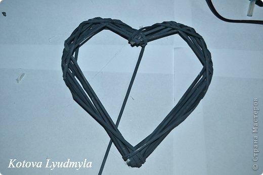 Мастер-класс Поделка изделие Новый год Аппликация Плетение Плетенные сердечки из бумажных трубочек Бумага Клей Краска Ленты Фетр фото 30