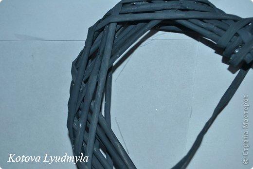Мастер-класс Поделка изделие Новый год Аппликация Плетение Плетенные сердечки из бумажных трубочек Бумага Клей Краска Ленты Фетр фото 31