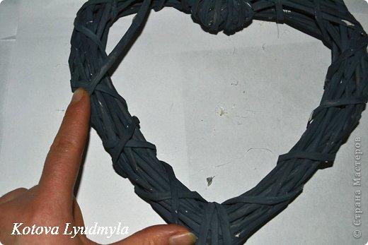 Мастер-класс Поделка изделие Новый год Аппликация Плетение Плетенные сердечки из бумажных трубочек Бумага Клей Краска Ленты Фетр фото 39