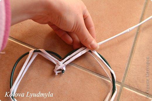 Мастер-класс Поделка изделие Новый год Аппликация Плетение Плетенные сердечки из бумажных трубочек Бумага Клей Краска Ленты Фетр фото 18