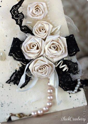Маленькое черное платье и жемчужное ожерелье - вершина элегантности. Именно об этом моя открыточка. фото 3