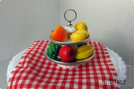 Кукольная жизнь Мастер-класс Новый год Моделирование конструирование Подставка под фрукты в кукольный домик Бусинки Проволока фото 1